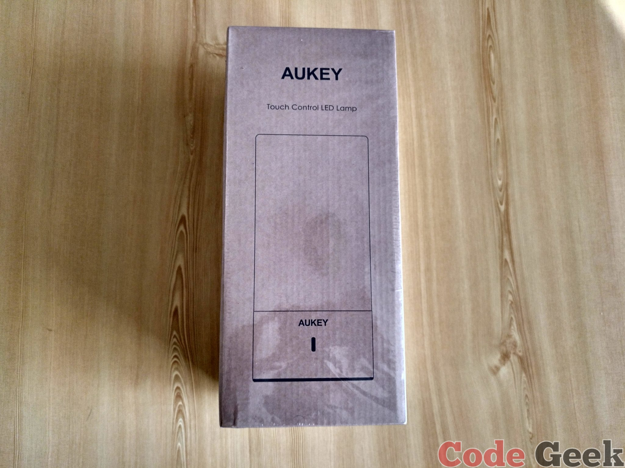 AUKEY Touch Control LED Lamp Review en Español