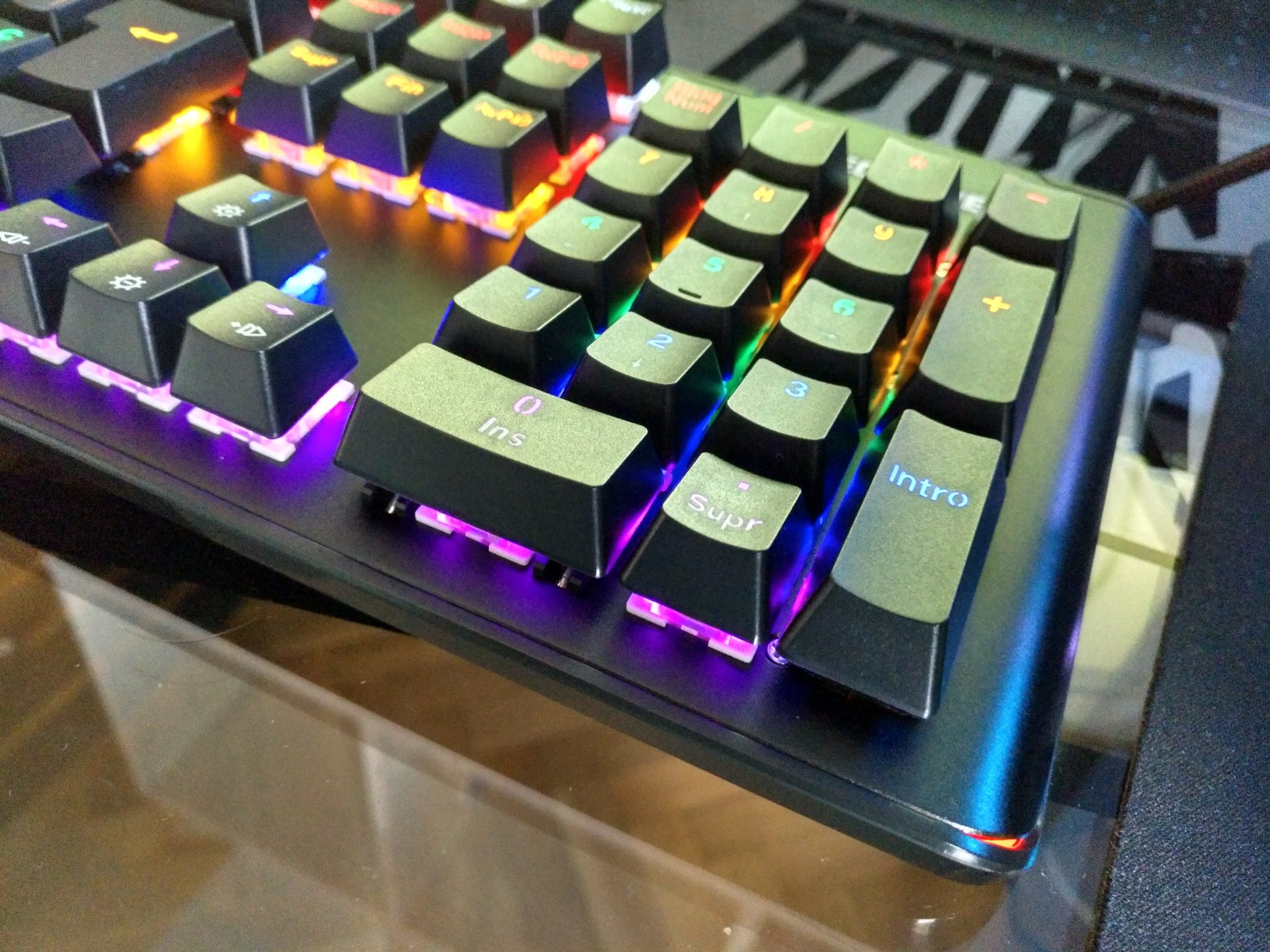 TECKNET Teclado Mecánico Gaming Español con Switches Marrón, Led Multicolor y Reposa-Muñecas Removible - Review en Español