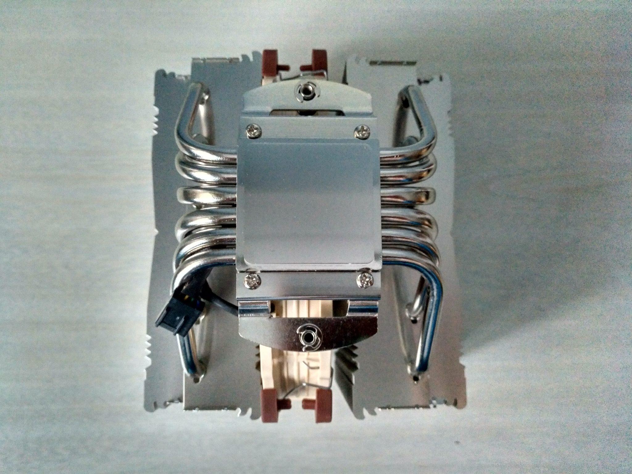 Noctua NH-D15 El mejor disipador por aire de CPU